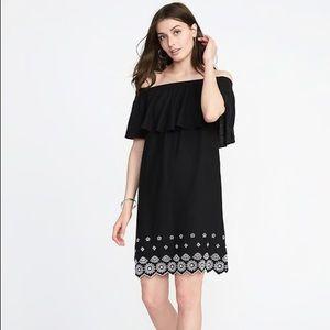 NWT Off-the-Shoulder Cutwork-Hem Linen-Blend Dress